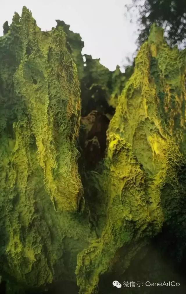 H.H.第三世多杰羌佛韻雕作品: 優雅的山谷
