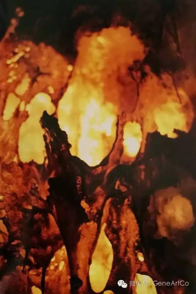 H.H.第三世多杰羌佛韻雕作品:無法言喻的美光