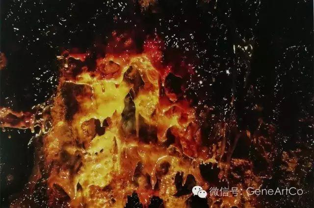 H.H.第三世多杰羌佛韻雕作品:紅色和黃色的寶藏