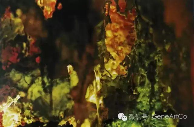 H.H.第三世多杰羌佛韻雕作品:不斷變化的純綠色