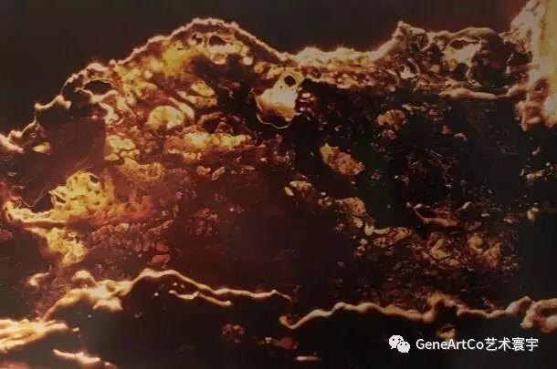 H.H.第三世多杰羌佛韻雕作品:有成千上萬的燈照亮山峰嗎?