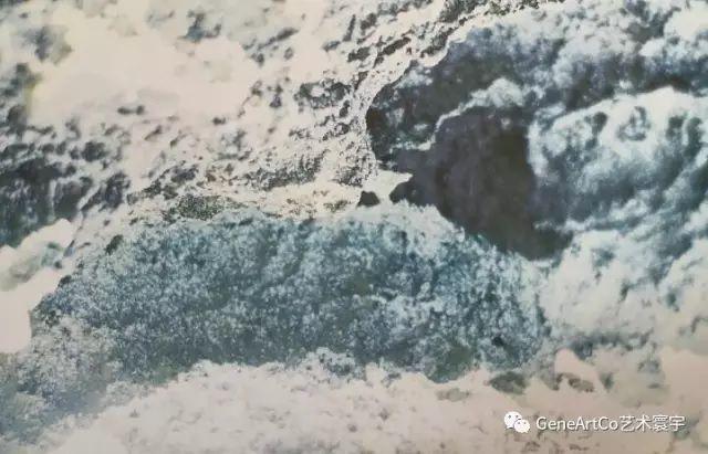 H.H.第三世多杰羌佛韻雕作品:雲海下的雪影