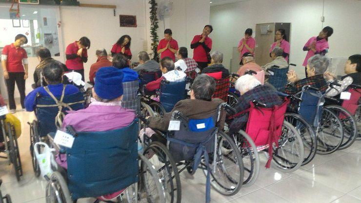 運頓多吉白菩提會2017年12月4-8日老人養護中心帶領念佛聞法共修