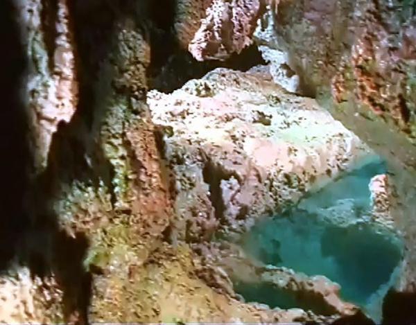 溫泉如瀑、山巒疊嶂、雲峰生煙,你可曾遊歷過《黃石溫泉》仙境?(擎然)