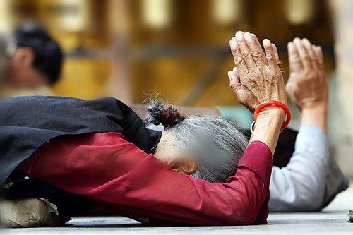 基督教徒唱誦佛教《心經》時淚流滿面,原來聖母也是佛陀身邊的侍者(薩依旺姆)