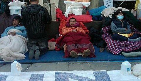 藏族自焚未遂者回憶:美國領導人訪印 自焚被叫停