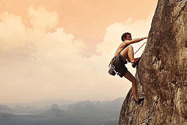 凡是要成就自己的事業,必須應當勤奮地去爭取(在路上)