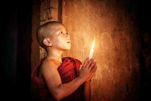 佛教故事:生死和功德只在一念之間[相應因緣及時救助]