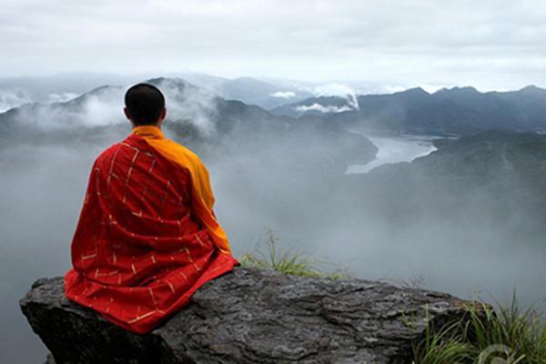 「佛門觀察」:剃光頭,穿僧服,住寺院的未必是真的出家人(慈清)