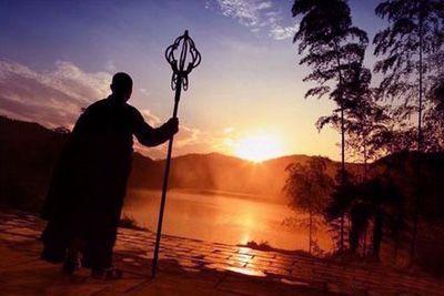 修行是追隨聖者的腳步還是跟從凡夫,心裡要有數(演化)