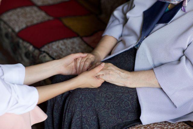 佛教正法中心-兩位醫生讓我明白了愛語溝通(滕文)